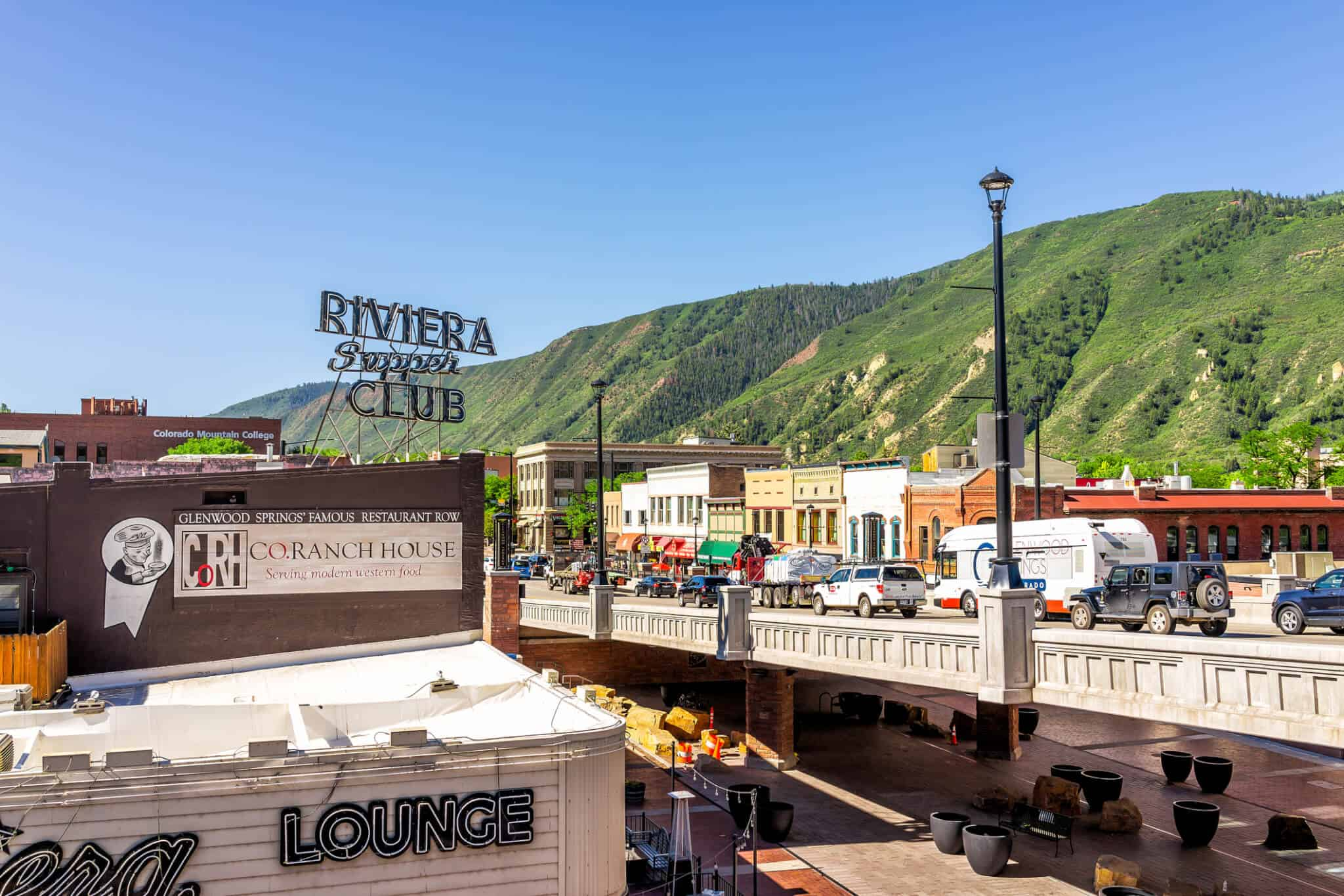 grand avenue glenwood springs colorado