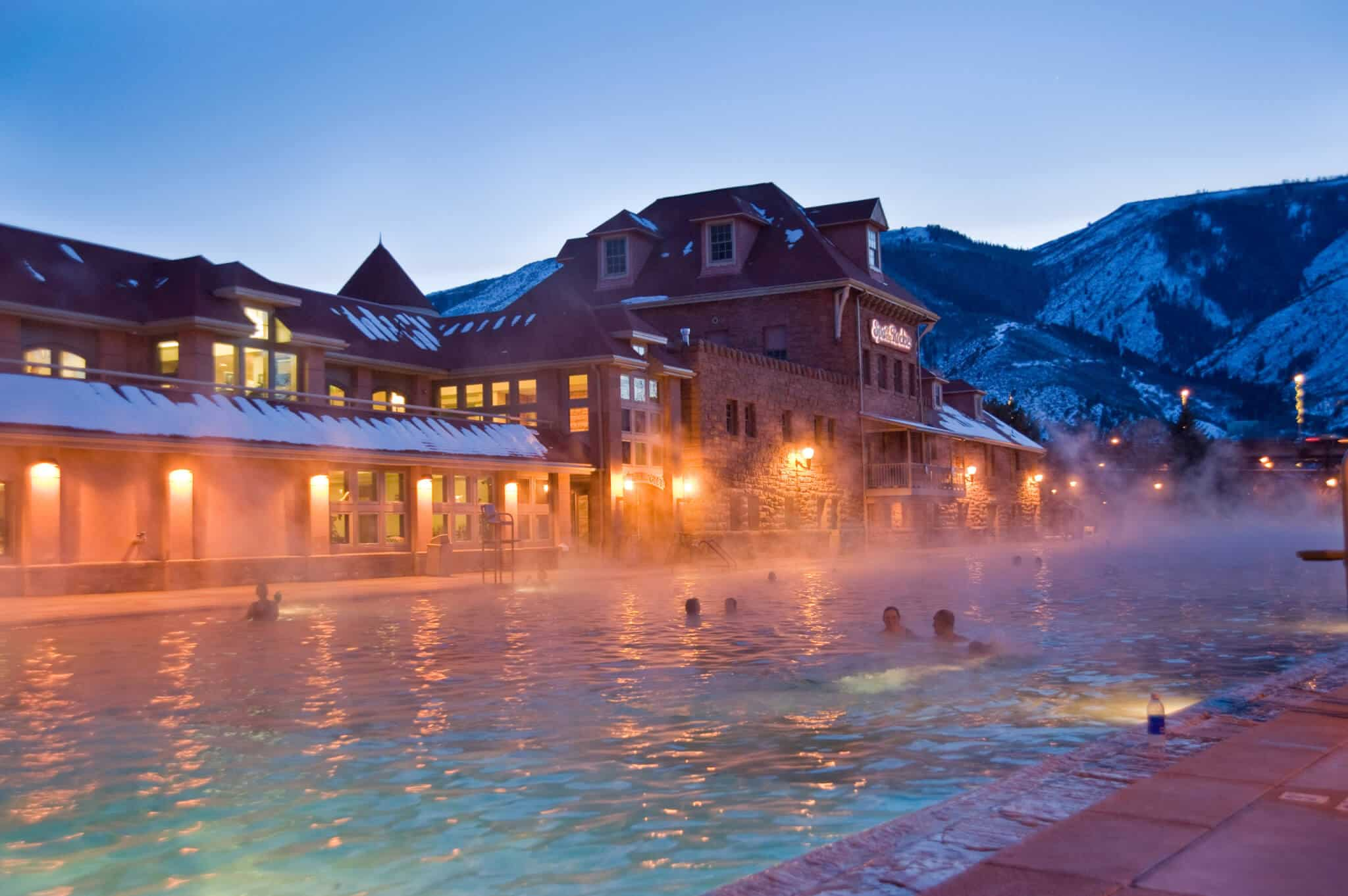 glenwood springs hot springs night